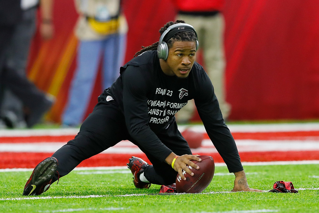 . HOUSTON, TX - FEBRUARY 05: Devonta Freeman #24 of the Atlanta Falcons warms up prior to Super Bowl 51 against the New England Patriots at NRG Stadium on February 5, 2017 in Houston, Texas.  (Photo by Kevin C. Cox/Getty Images)