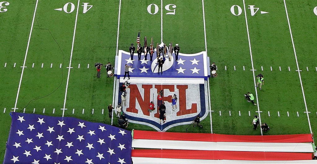 . Singer Luke Bryan sings the national anthem before the NFL Super Bowl 51 football game between the Atlanta Falcons and the New England Patriots Sunday, Feb. 5, 2017, in Houston. (AP Photo/Morry Gash)