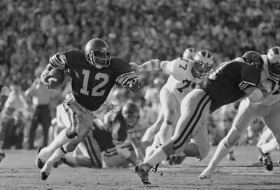 Past stars who played in the Rose Bowl