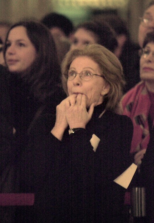 ". Patty Duke, currently starring in the Broadway play ""Oklahoma,\"" whistle\'s her approval to fellow performers Broadway stars during a promotional concert at Grand Central Station in New York, Jan. 6, 2003.     (AP Photo/Bebeto Matthews)"