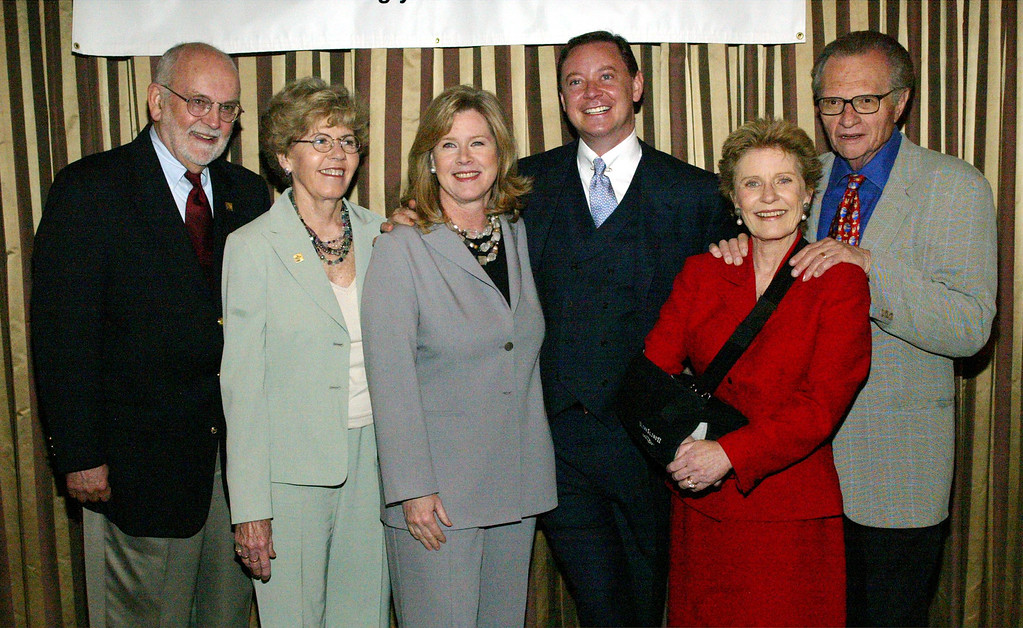 . BEVERLY HILLS - MAY 16:  (L to R) Max Bloom, Lois Bloom, Tipper Gore, Andrew Solomon, actress Patty Duke and television host Larry King attend the Seventh Annual Leadership Awards at the Regent Beverly Wilshire Hotel on May 16, 2003 in Beverly Hills, California.    (Photo by Frederick M. Brown/Getty Images)