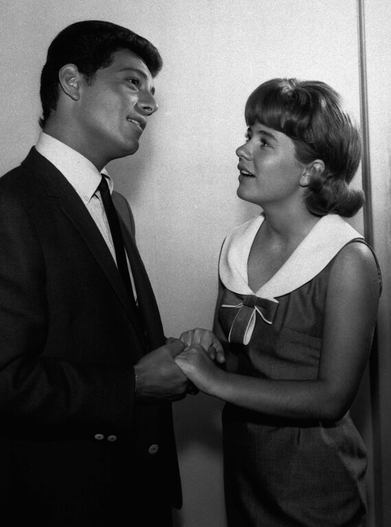". Patty Duke meets Frankie Avalon in this scene from ""Foggy Day,\"" June 3, 1965 an upcoming episode of ABC-TV\'s \""The Patty Duke Show.\""  (AP Photo)"