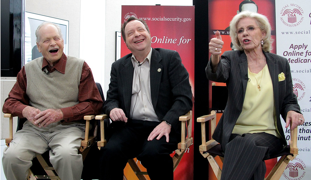 ". BEVERLY HILLS, CA - MARCH 23: (L-R) Actors Eddie Applegate and Paul O\' Keefe and actress Patty Duke speak during the Social Security Administration Reunites the cast of ""The Patty Duke Show\"" press conference at the Paley Center for Media on March 23, 2010 in Beverly Hills, California.  (Photo by Frederick M. Brown/Getty Images)"