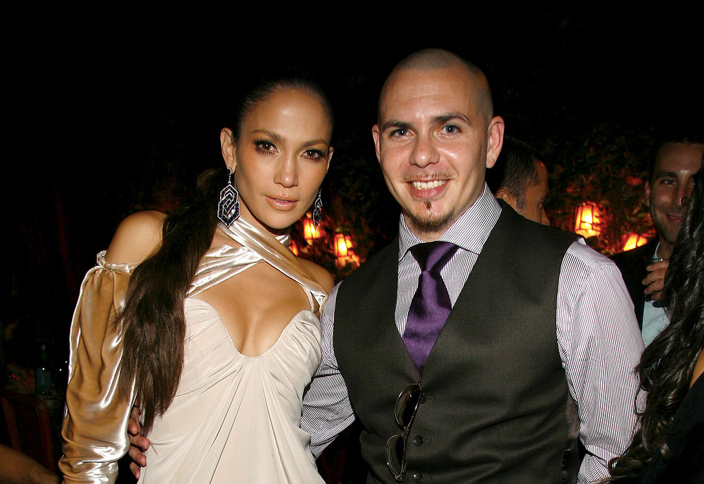 . NEW YORK - SEPTEMBER 13: Jennifer Lopez and Pitbull attend a post VMA dinner at The Waverly Inn on September 13, 2009 in New York City. (Photo by Gabriela Maj/Getty Images)