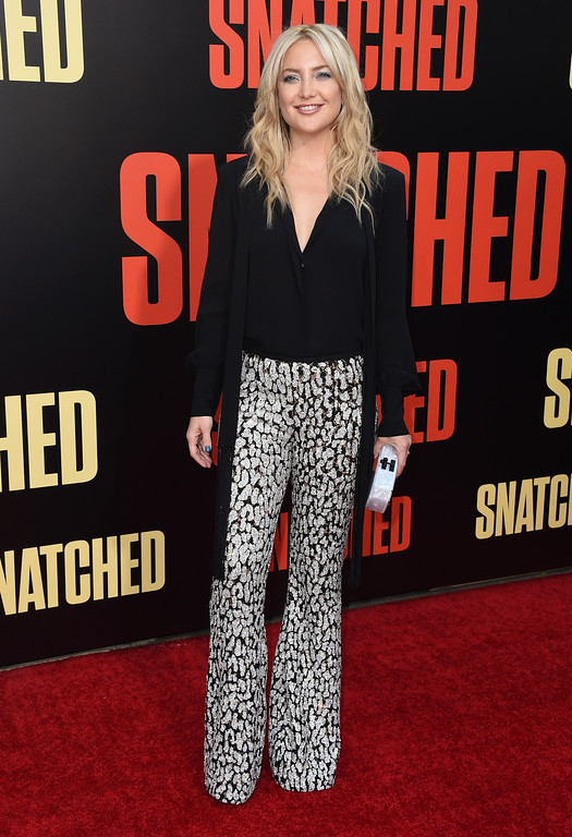 ". Kate Hudson arrives at the Los Angeles premiere of ""Snatched\"" at the Regency Village Theatre on Wednesday, May 10, 2017. (Photo by Jordan Strauss/Invision/AP)"