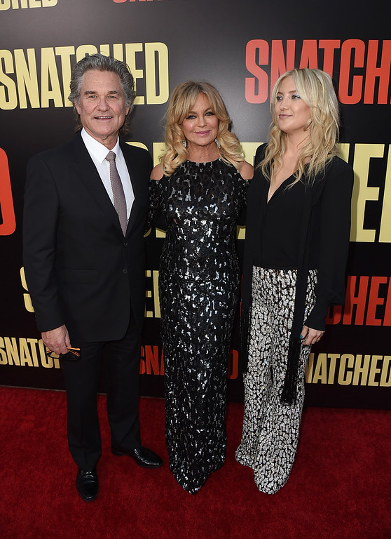 ". WESTWOOD, CA - MAY 10:  Actors Kurt Russell, Goldie Hawn, and Kate Hudson attend the premiere of 20th Century Fox\'s ""Snatched\"" at Regency Village Theatre on May 10, 2017 in Westwood, California.  (Photo by Kevin Winter/Getty Images)"