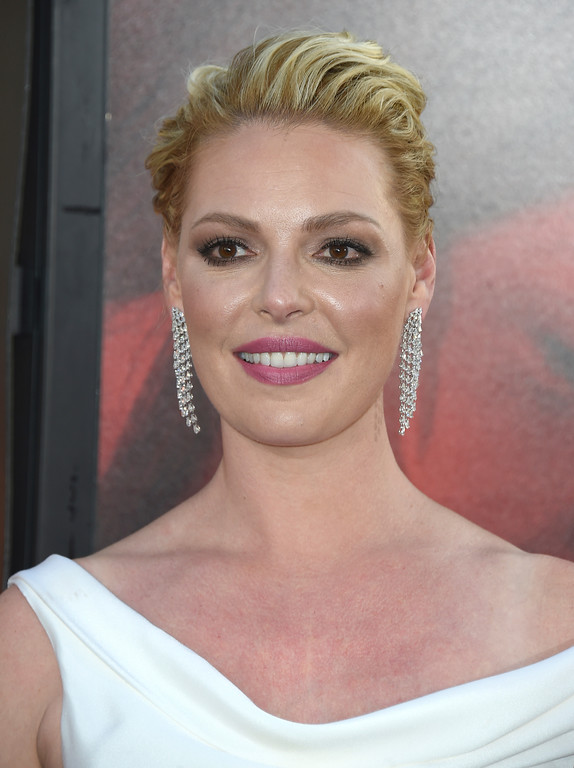 ". Katherine Heigl arrives at the Los Angeles premiere of ""Unforgettable\"" at the TCL Chinese Theatre on Tuesday, April 18, 2017. (Photo by Jordan Strauss/Invision/AP)"
