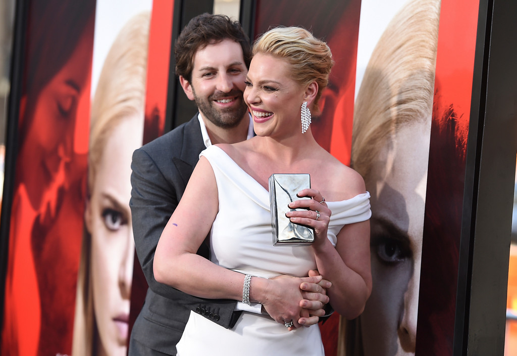 ". Josh Kelley, left, and Katherine Heigl arrive at the Los Angeles premiere of ""Unforgettable\"" at the TCL Chinese Theatre on Tuesday, April 18, 2017. (Photo by Jordan Strauss/Invision/AP)"