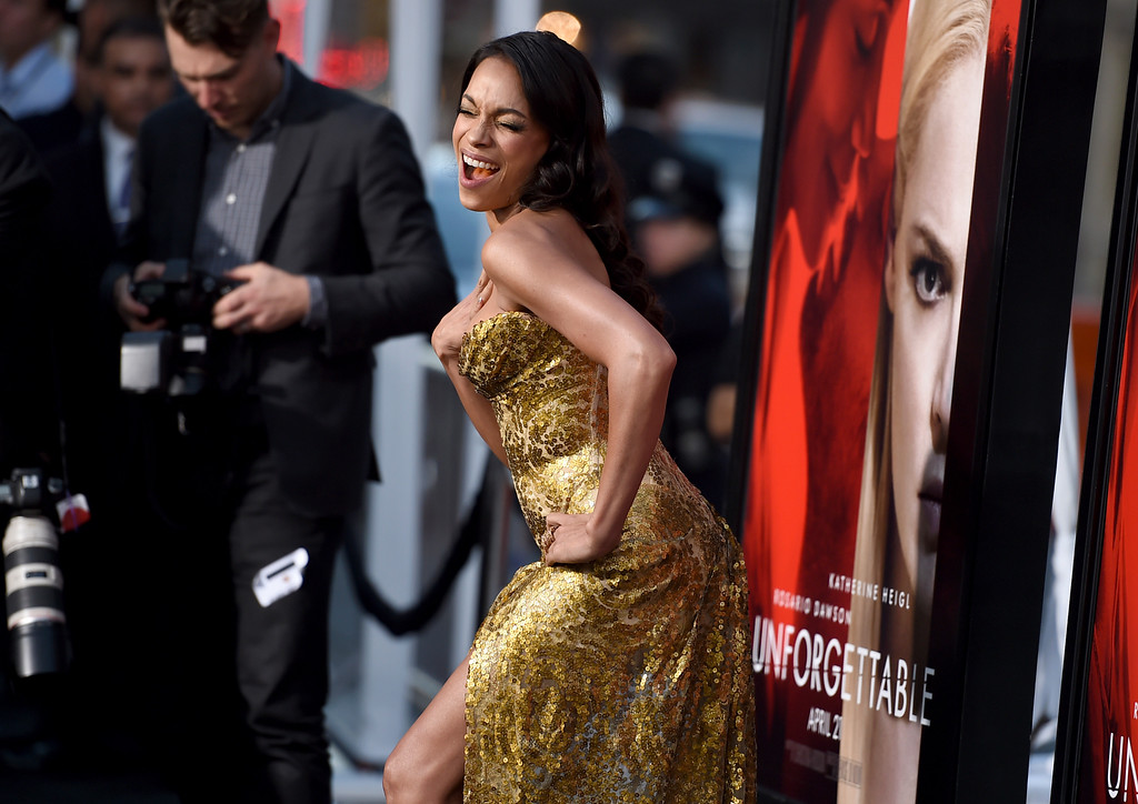 """. Rosario Dawson arrives at the Los Angeles premiere of \""""Unforgettable\"""" at the TCL Chinese Theatre on Tuesday, April 18, 2017. (Photo by Jordan Strauss/Invision/AP)"""