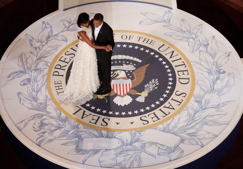 . President Barack Obama and first lady Michelle Obama dance at the Commander in Chief Inaugural Ball at the National Building Museum in Washington, Tuesday, Jan. 20, 2009. (AP Photo/Charles Dharapak)