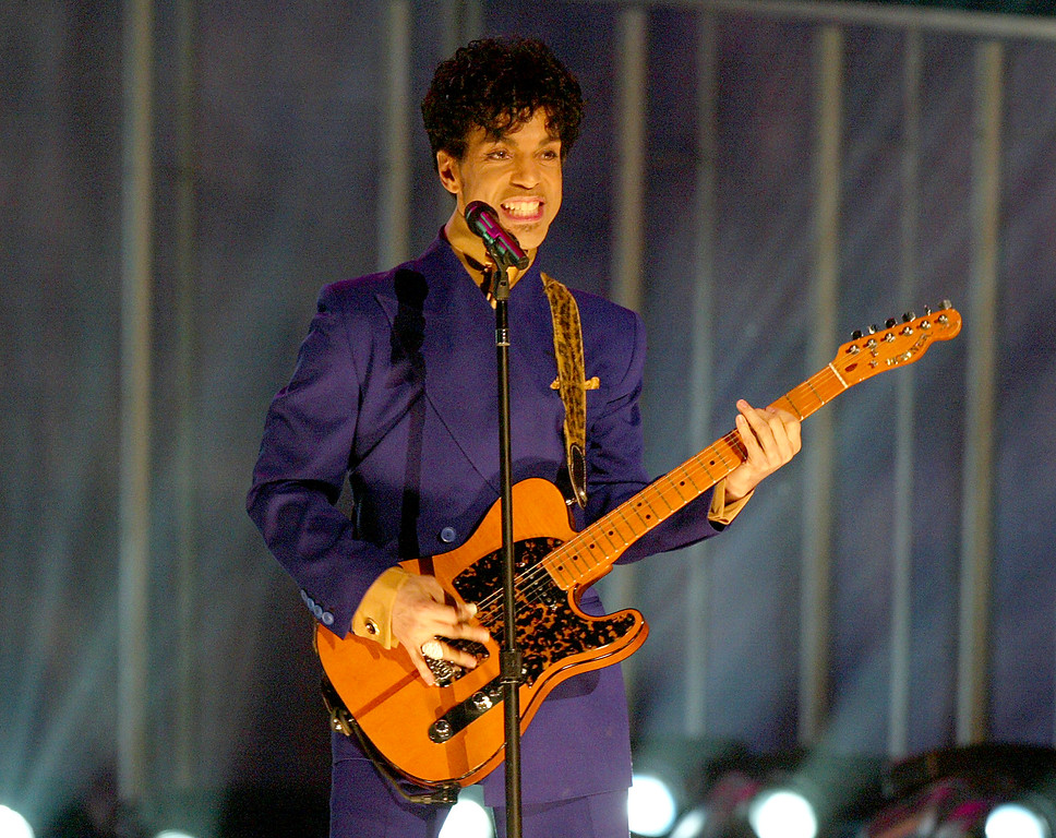 . LOS ANGELES - FEBRUARY 8:  Musical Artist Prince performs at the 46th Annual Grammy Awards held at the Staples Center on February 8, 2004 in Los Angeles, California.  (Photo by Frank Micelotta/Getty Images)