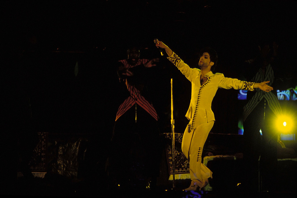 . SYDNEY - JANUARY 01:  SINGER PRINCE PERFORMS IN THE OPEN AIR SCG SHOW IN SYDNEY. (Photo by Patrick Riviere/Getty Images).