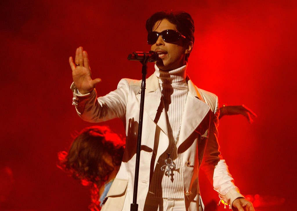 . PASADENA, CA - JUNE 01:  Singer Prince performs onstage during the 2007 NCLR ALMA Awards held at the Pasadena Civic Auditorium on June 1, 2007 in Pasadena, California.  (Photo by Kevin Winter/Getty Images for NCLR)