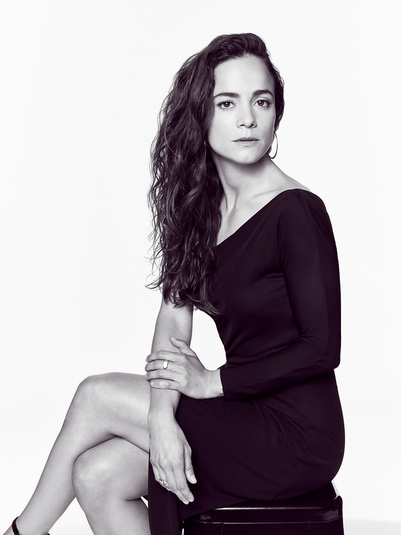 ". Photo of Alice Braga, who plays Teresa Mendoza, on the USA series ""Queen of the South\""  (Photo by: Dennis Leupold/USA Network)"