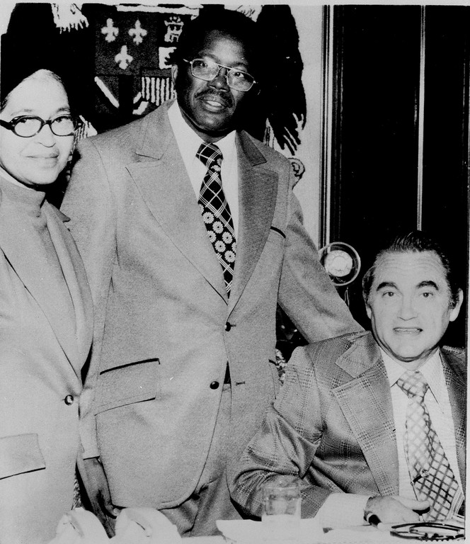 . Rosa Parks, whose refusal to move to the back of a Montgomery, Ala., bus in 1955 sparked the civil rights movement, meets with Alabama Gov. George C. Wallace, Dec. 15, 1973. With her is state representative Fred Gray, who represented her in the bus boycott case. Wallace, who ran for president last year, was paralyzed by a gunman in an assassination attempt during his campaign in Maryland in May of 1972. (AP Photo)