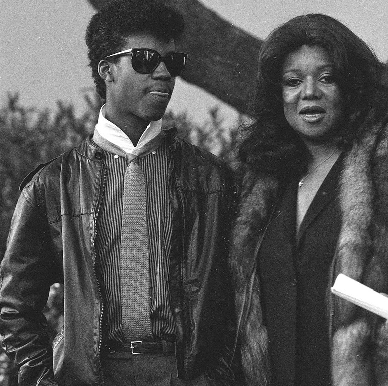 . FILE - In this April 4, 1984 file photo, Marvin Gaye III escorts his mother Anna Gordy Gaye to the public visitation of the late Marvin Gaye Jr.\'s body, at Forrest Lawn Memorial Park in Los Angeles. (AP Photo/Nick Ut, File)
