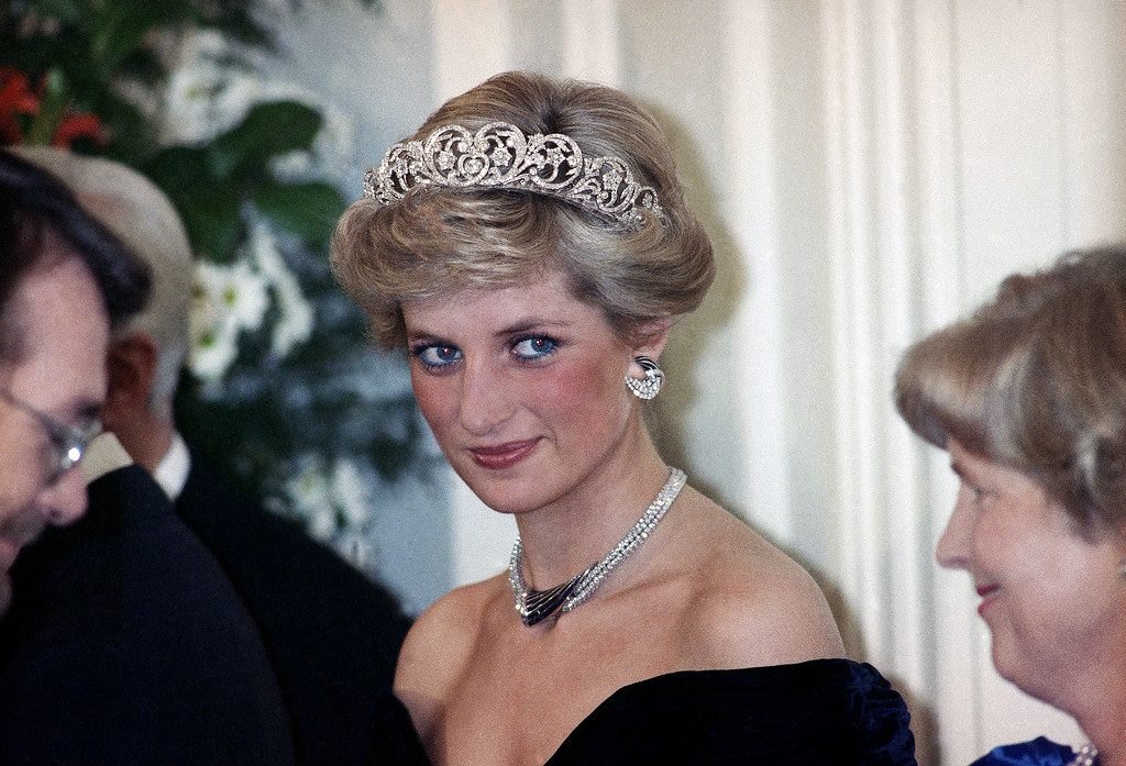 . The Princess of Wales is pictured during an evening reception given by the West German President Richard von Weizsacker in honour of the British Royal guests in the Godesberg Redoute in Bonn, Germany on Monday, Nov. 2, 1987.  (AP Photo/Herman Knippertz)