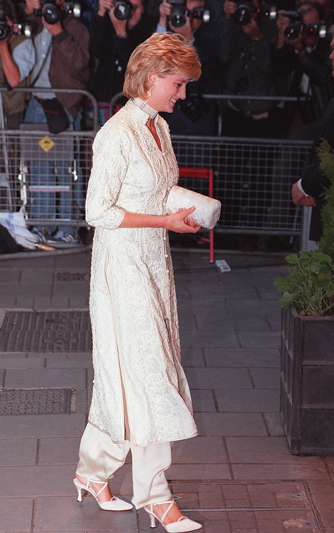 . Britain\'s Princess Diana arriving at London\'s, Dorchester Hotel, Thursday July 4 1996, to attend a charity event in support of The Shaukat Khanum Memorial Hospital in Pakistan.  (AP Photo/Charles Miller)