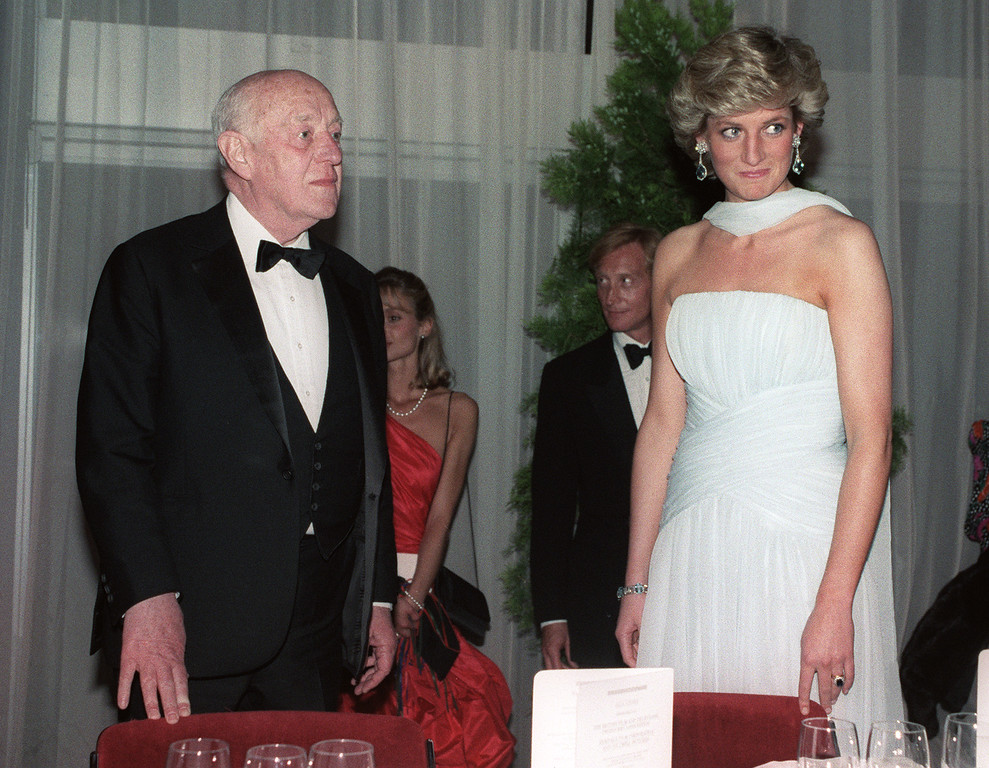 . Picture dated 15 May 1987 of British actor Alec Guinness and Princess Diana at a gala dinner at the 40th Cannes film festival on the French riviera.  (DOMINIQUE FAGET/AFP/Getty Images)