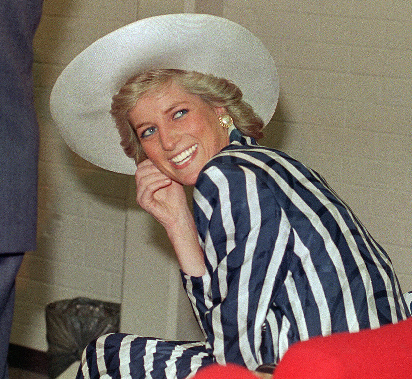 . Picture taken 27 January 1988 shows Princess of Wales Diana, during her visit to the Footscray Park in suburb of Melbourne. (PATRICK RIVIERE/AFP/Getty Images)