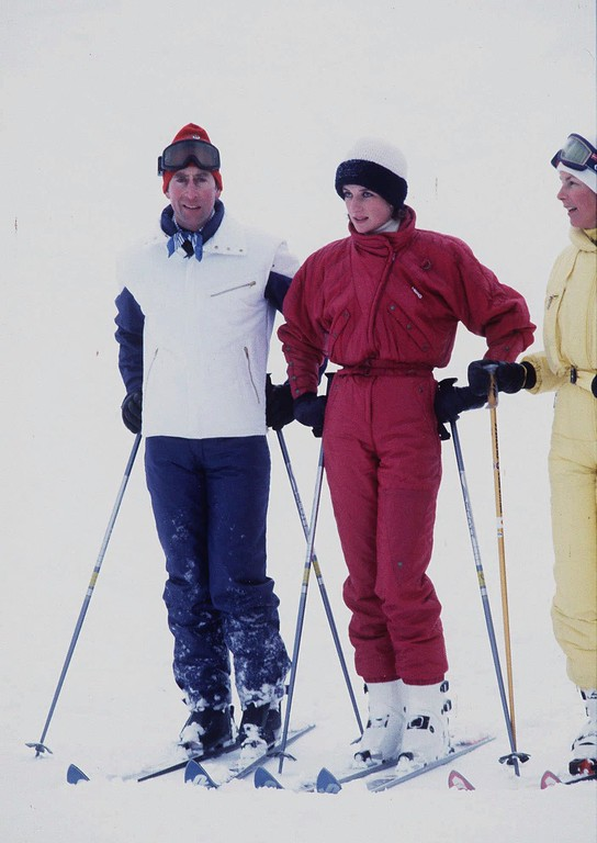 . Princess Diana and Prince Charles pose for photographers on the first day of their skiing vacation near Malbun, Liechtenstien January 9 1984. (AP Photo)