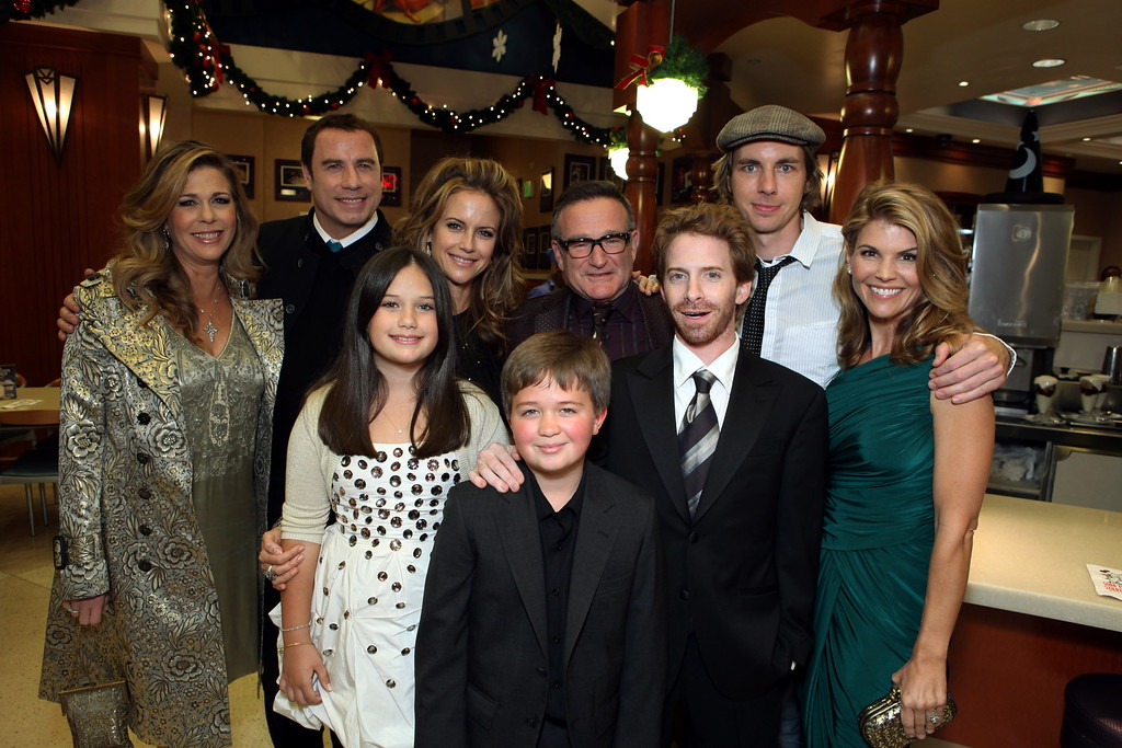". Rita Wilson, John Travolta, Ella Bleu Travolta, Kelly Preston, Conner Rayburn, Robin Williams, Seth Green, Dax Shepard and Lori Loughlin at the World Premiere of Walt Disney Pictures ""Old Dogs\"" on November 09, 2009 at the El Capitan Theatre in Hollywood, California. (Photo by Eric Charbonneau/Invision/AP Images)"