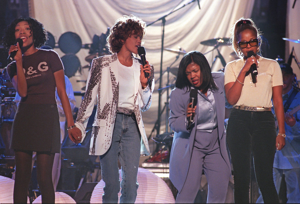 ". Performers, rehearsing a medley from ""Waiting To Exhale, \"" go through the motions at New York\'s Madison Square Garden Sunday, Feb. 23, 1997.  (AP Photo/Rick Diamond/NARAS, ho)"
