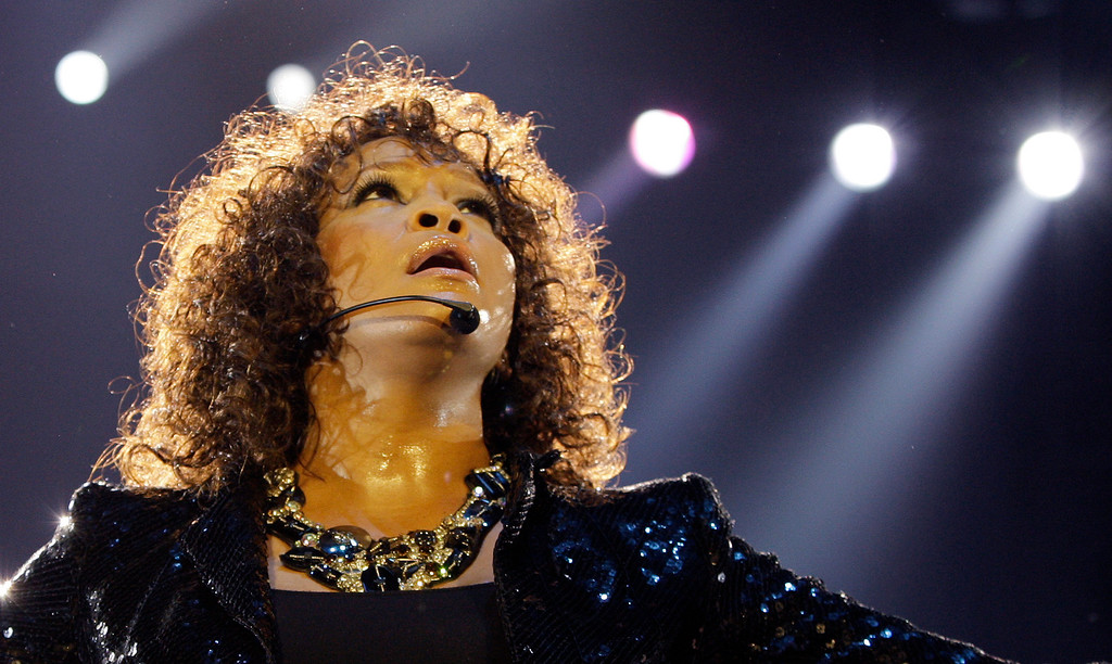 . U.S singer Whitney Houston performs at the o2 in London as part of her European tour, Sunday, April 25, 2010. (AP Photo/Joel Ryan)