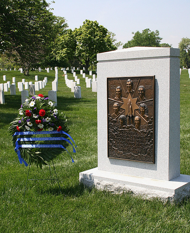 . The memorial to the Challenger space shuttle astronauts is seen in this 12 April, 2005 photo in Arlington National Cemetery in Arlington, Virginia. On 28 January 1986 the Shuttle Challenger, launched from Cape Kennedy in Florida, exploded and fell into the sea.   (KAREN BLEIER/AFP/Getty Images)