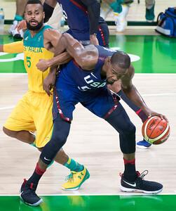04.OLY.basketball.0811.mg