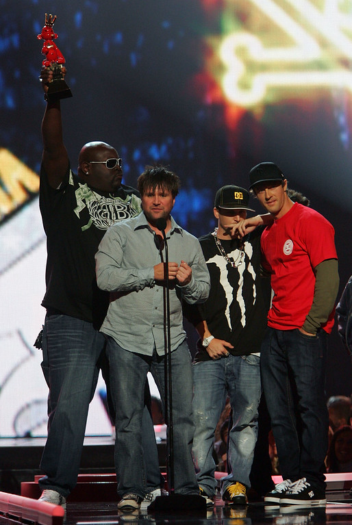 ". LAS VEGAS - DECEMBER 07:  Big Black (L) accepts the Best Individual Sports Game Award to ""Skate\"" during the Spike TV\'s 2007 \""Video Game Awards\"" at the Mandalay Bay Events Center on December 7, 2007 in Las Vegas, Nevada.  (Photo by Ethan Miller/Getty Images)"