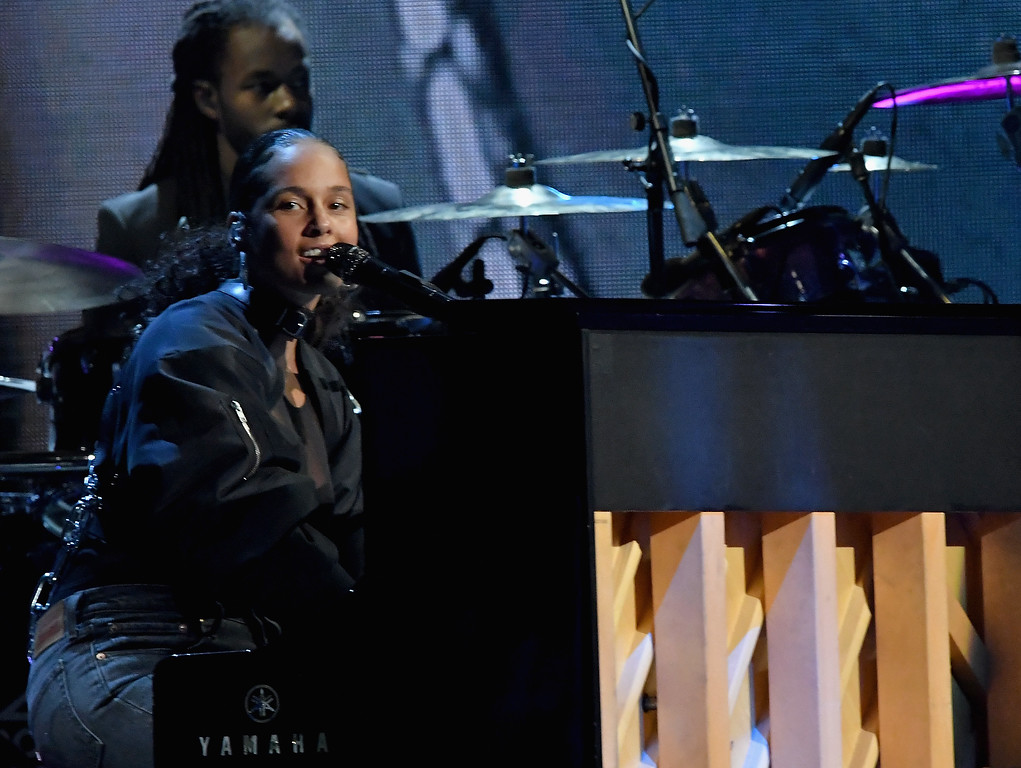. NEW YORK, NY - APRIL 07:  Recording artist Alicia Keys performs 2017 Tupac Shakur onstage at the 32nd Annual Rock & Roll Hall Of Fame Induction Ceremony at Barclays Center on April 7, 2017 in New York City. The event will broadcast on HBO Saturday, April 29, 2017 at 8:00 pm ET/PT  (Photo by Mike Coppola/Getty Images)