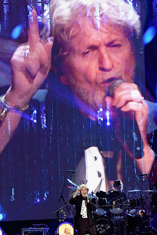 . NEW YORK, NY - APRIL 07:  2017 Inductee Jon Anderson of Yes performs onstage at the 32nd Annual Rock & Roll Hall Of Fame Induction Ceremony at Barclays Center on April 7, 2017 in New York City. The event will broadcast on HBO Saturday, April 29, 2017 at 8:00 pm ET/PT  (Photo by Mike Coppola/Getty Images)