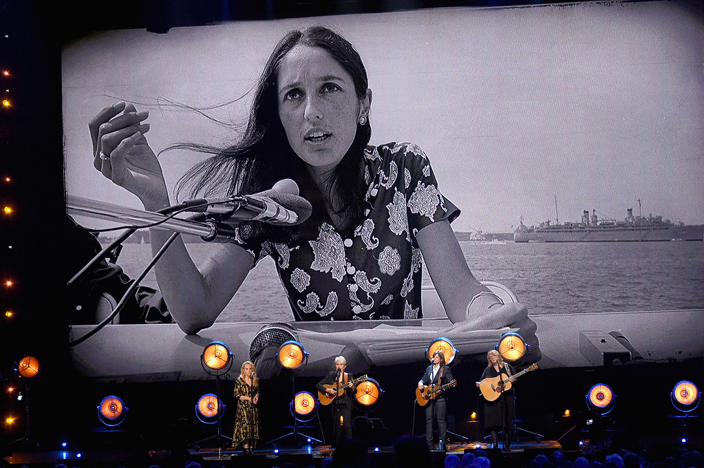 . NEW YORK, NY - APRIL 07:  Inductee Joan Baez performs with Mary Chapin Carpenter and Amy Ray and Emily Saliers of Indigo Girls onstage at the 32nd Annual Rock & Roll Hall Of Fame Induction Ceremony at Barclays Center on April 7, 2017 in New York City. The event will broadcast on HBO Saturday, April 29, 2017 at 8:00 pm ET/PT  (Photo by Mike Coppola/Getty Images)
