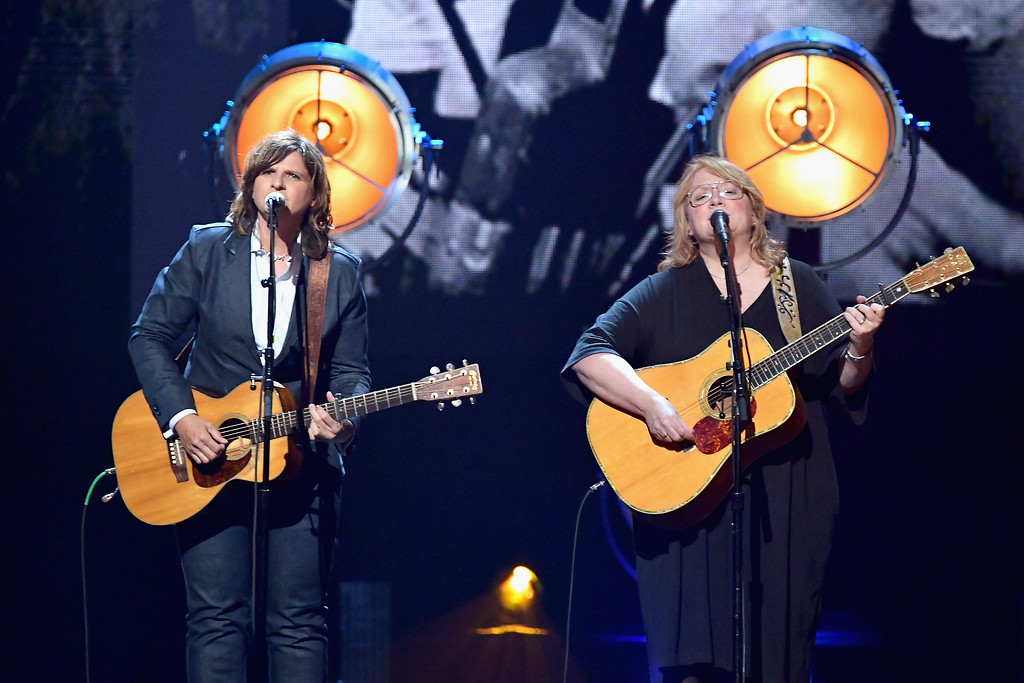 . NEW YORK, NY - APRIL 07:  Musicians Amy Ray (L) and Emily Saliers of Indigo Girls perform onstage at the 32nd Annual Rock & Roll Hall Of Fame Induction Ceremony at Barclays Center on April 7, 2017 in New York City. The event will broadcast on HBO Saturday, April 29, 2017 at 8:00 pm ET/PT  (Photo by Mike Coppola/Getty Images)