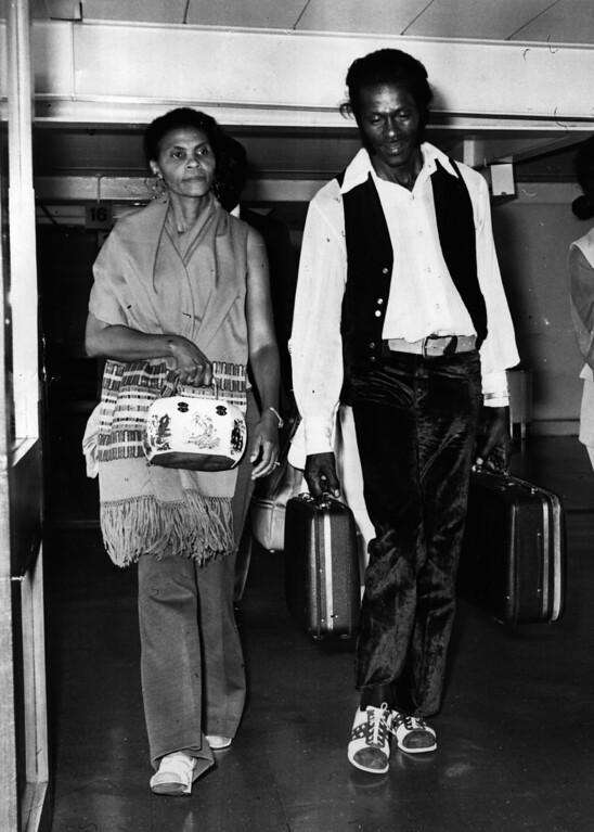 . 1st August 1972:  Rock \'n\' roll legend, singer, songwriter and guitarist Chuck Berry arrives at Heathrow Airport with his wife Thematta.  (Photo by Evening Standard/Getty Images)