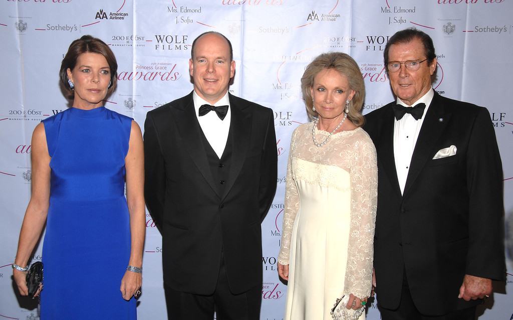 . Prince Albert II,  second from left, of Monaco; Princess Caroline, left, of Hanover; actor Roger Moore, right, and his wife Christina Tholstrup, second from right, arrive at The 25th Anniversary Princess Grace Awards Gala at Sotheby\'s, Thursday, Oct. 25, 2007, in New York.  (AP Photo/Peter Kramer)