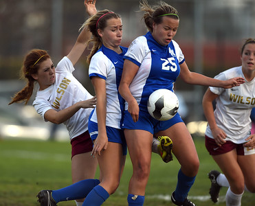 Team of the Year: Wilson wins 1-0 over Santa Margarita, in the CIF Division 1 Quarterfinals at Wilson.  Long Beach Calif., Sunday,  February  26, 2015.     (Photo by Stephen Carr / Daily Breeze)