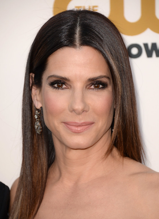 . Sandra Bullock arrives at the 19th annual Critics\' Choice Movie Awards at the Barker Hangar on Thursday, Jan. 16, 2014, in Santa Monica, Calif. (Photo by Jordan Strauss/Invision/AP)