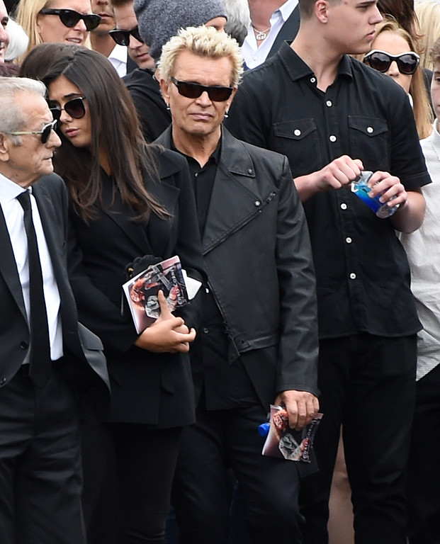 . Billy Idol, center, attends a funeral for Chris Cornell at the Hollywood Forever Cemetery on Friday, May 26, 2017, in Los Angeles. (Photo by Chris Pizzello/Invision/AP)