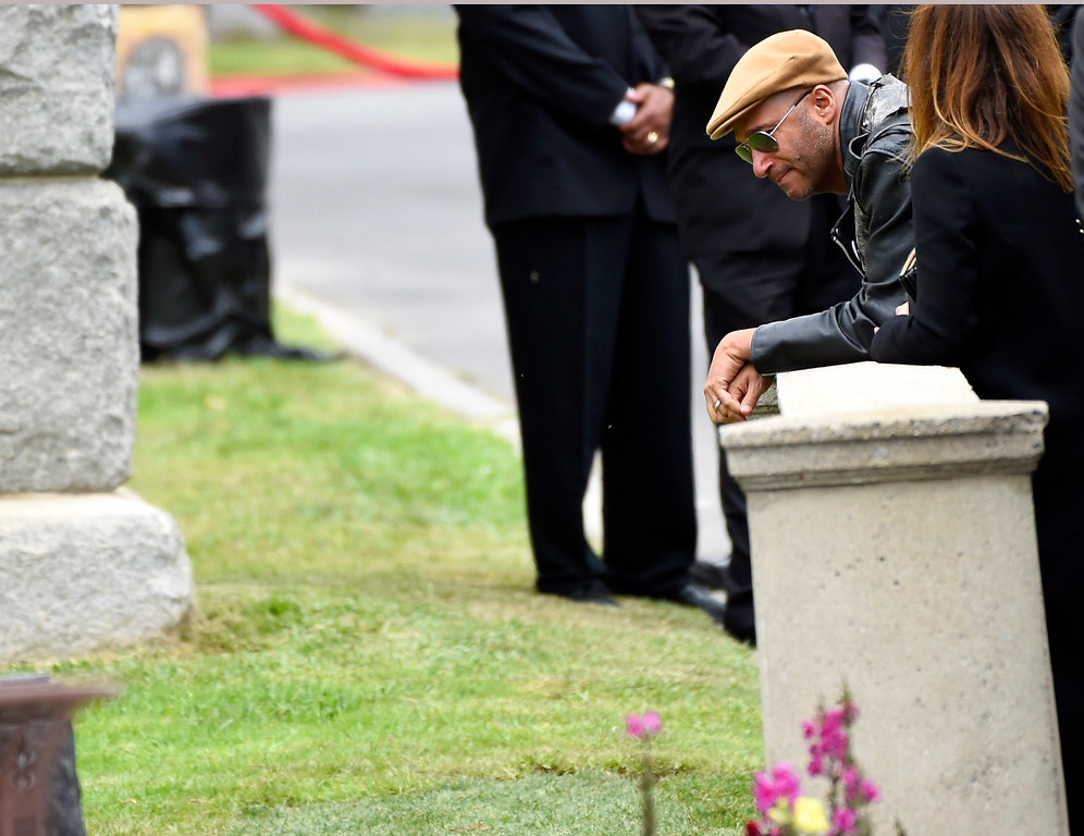 . Tom Morello attends a funeral for Chris Cornell at the Hollywood Forever Cemetery on Friday, May 26, 2017, in Los Angeles. (Photo by Chris Pizzello/Invision/AP)