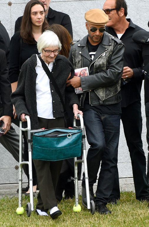 . Musician Tom Morello, right, and his mother Mary Morello attend a funeral for Chris Cornell at the Hollywood Forever Cemetery on Friday, May 26, 2017, in Los Angeles. (Photo by Chris Pizzello/Invision/AP)