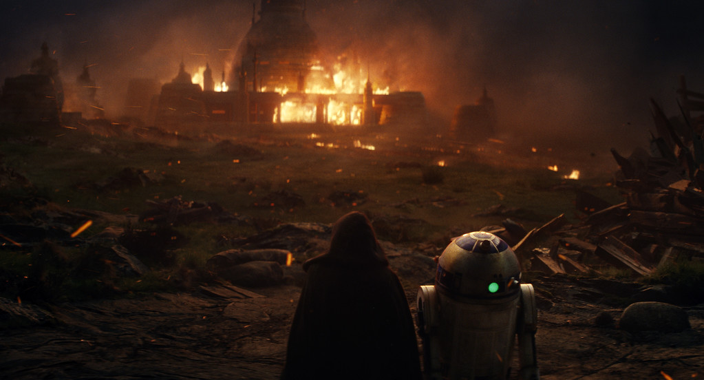 """. This image released by Lucasfilm shows a scene from the upcoming \""""Star Wars: The Last Jedi,\"""" expected in theaters in December.  (Industrial Light & Magic/Lucasfilm via AP)"""