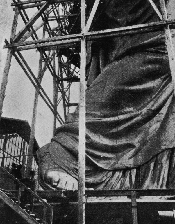 . circa 1883: The construction of the Statue of Liberty in Paris, before its journey to the United States. (Photo by Hulton Archive/Getty Images)