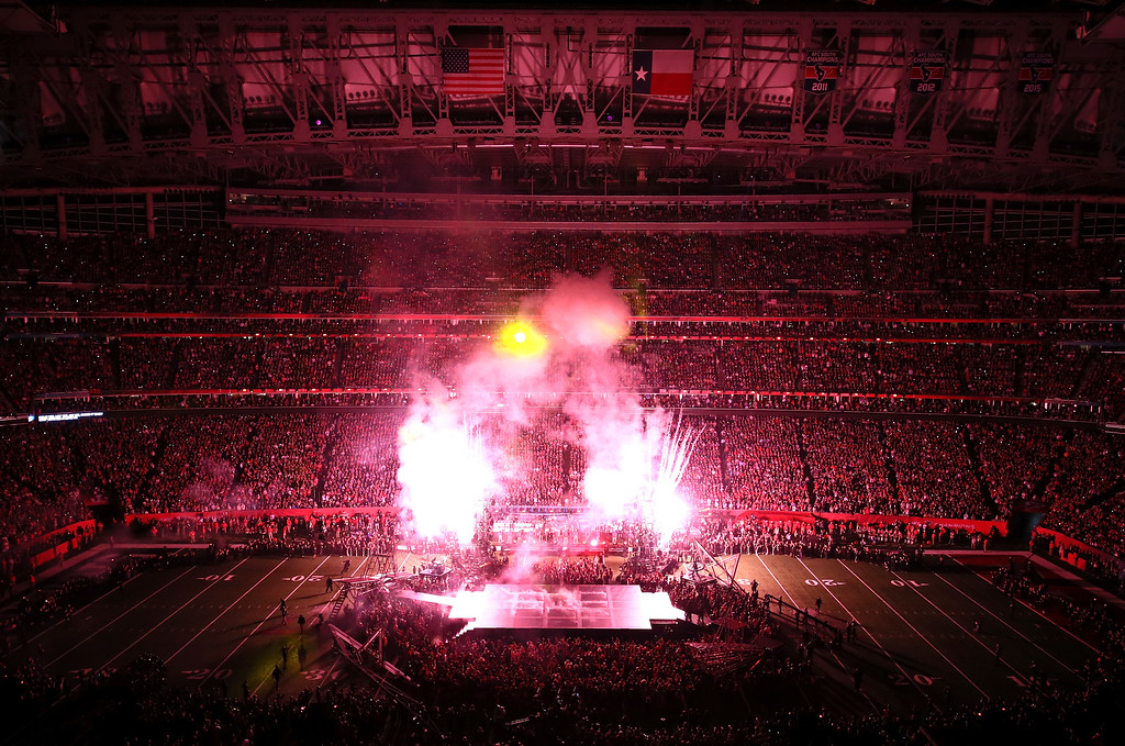 . HOUSTON, TX - FEBRUARY 05:  Lady Gaga peforms during Super Bowl 51 at NRG Stadium on February 5, 2017 in Houston, Texas.  (Photo by Ezra Shaw/Getty Images)