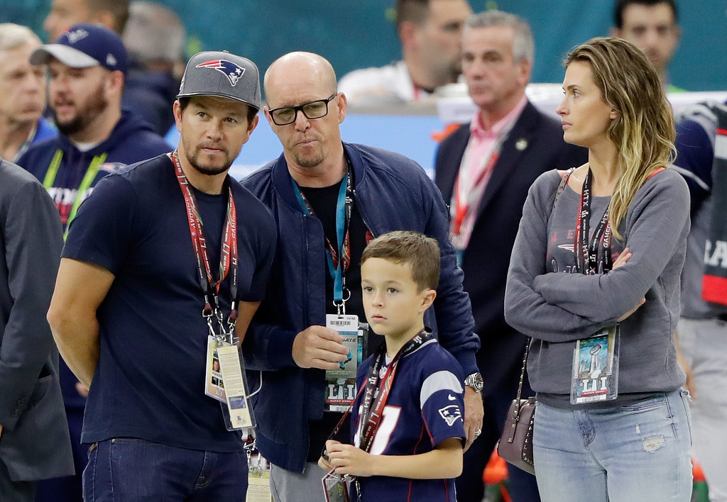 . HOUSTON, TX - FEBRUARY 05:  Actor Mark Wahlberg (L) attends Super Bowl 51 between the New England Patriots and the Atlanta Falcons at NRG Stadium on February 5, 2017 in Houston, Texas.  (Photo by Jamie Squire/Getty Images)