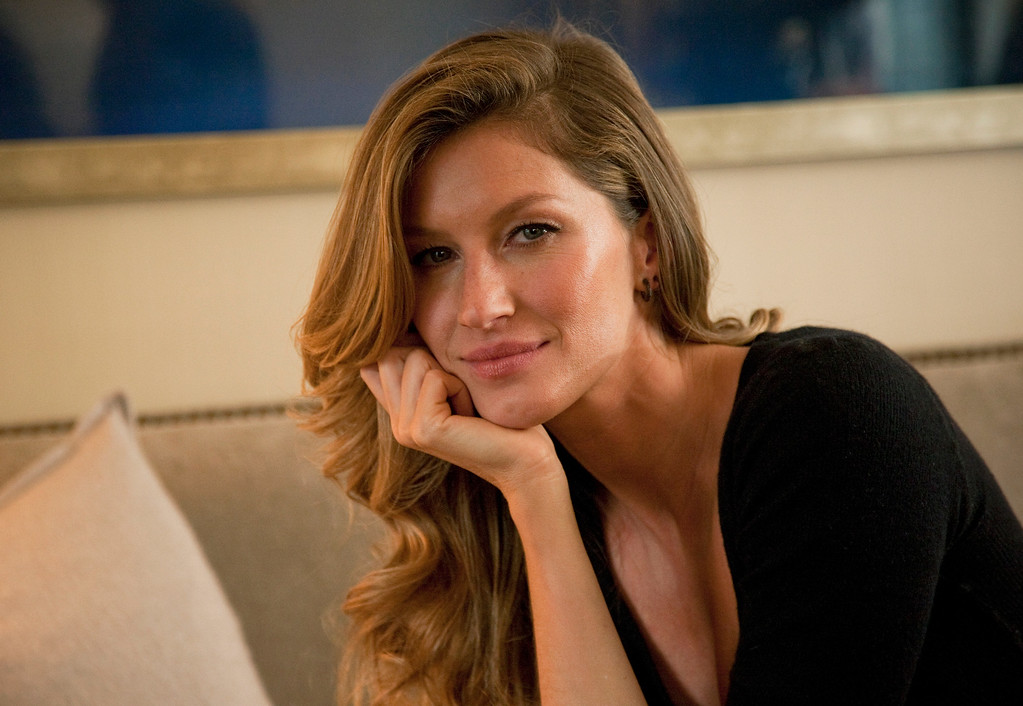 . This Jan. 6, 2014 photo shows Fashion model Gisele Bundchen posing for a portrait in New York. Bundchen is the new spokesperson for Pantene hair products. (Photo by Andy Kropa/Invision/AP)
