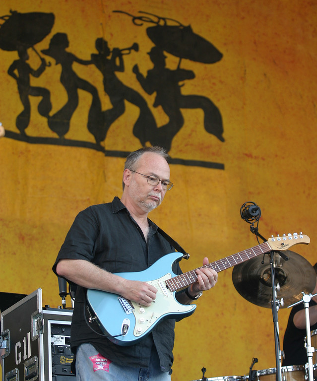 . Walter Becker of Steely Dan performs during the 2007 Jazz and Heritage Festival in New Orleans on Sunday, May 6, 2007. (AP Photo/Dave Martin)