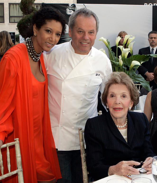 . Chef Wolfgang Puck and his wife Gelila Assefa join former first lady Nancy Reagan at a reception honoring celebrated fashion designer James Galanos with the  Rodeo Drive Walk of Style Award following the presentation ceremony in Beverly Hills, Calif., Thursday, Oct. 18, 2007.  (AP Photo/Reed Saxon)