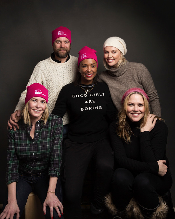 . Actors Joshua Jackson, from left, Aisha Tyler, Charlize Theron, Chelsea Handler and Mary McCormack pose for a portrait to promote Women\'s March on Main at the Music Lodge during the Sundance Film Festival on Saturday, Jan. 21, 2017, in Park City, Utah. (Photo by Taylor Jewell/Invision/AP)